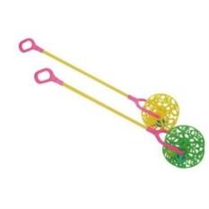Детская игрушка каталка-погремушка