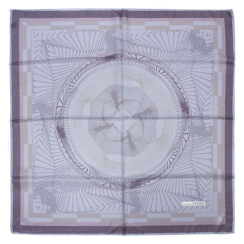 Светлый шелковый платок Gianfranco Ferre