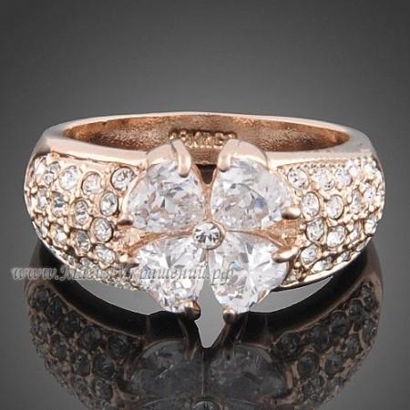 Кольцо Цветок из кристаллов Сваровски