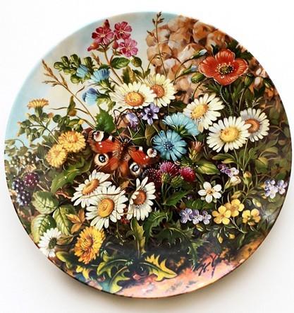 Коллекционная тарелка Цветы у крепостной стены