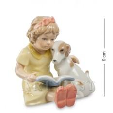 Фигурка Девочка с собачкой (Pavone)