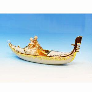Фигурка «Пара в лодке»