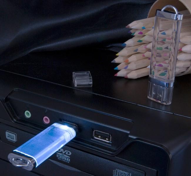 Флешка прозрачная Shine (32 Gb) с синей подсветкой