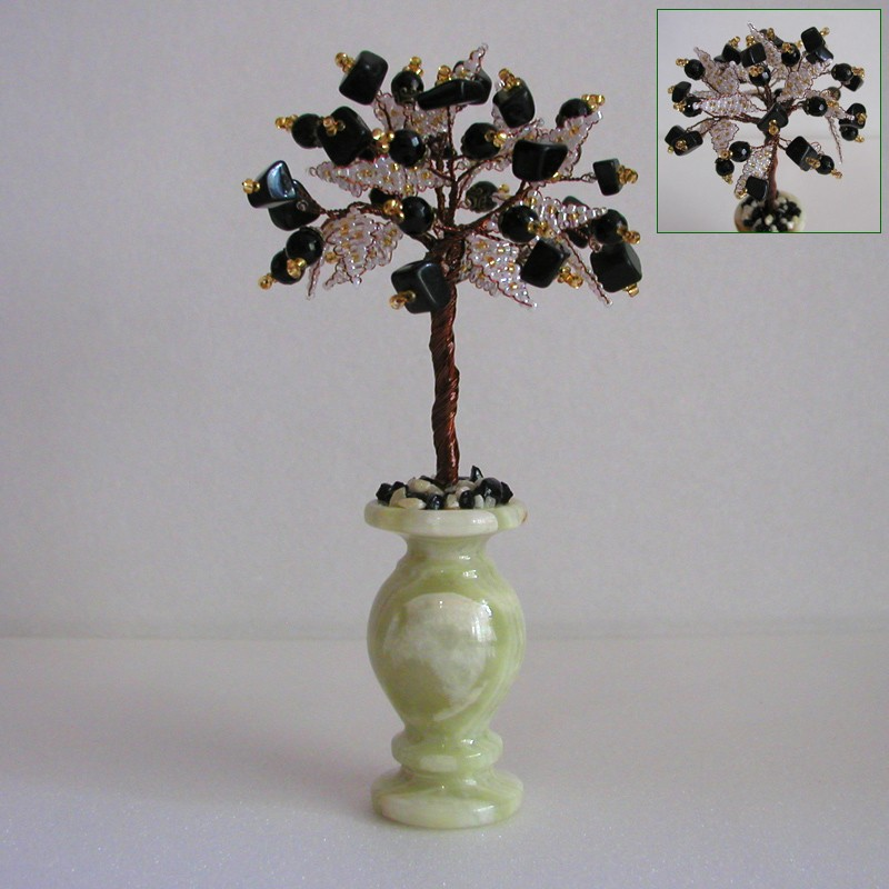 Дерево счастья из шпинеля и агата в вазочке из оникса