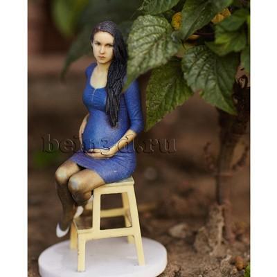 3D фигурка беременной - миниатюрная копия