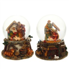 Декоративная фигурка в стеклянном шаре Рождество Христово
