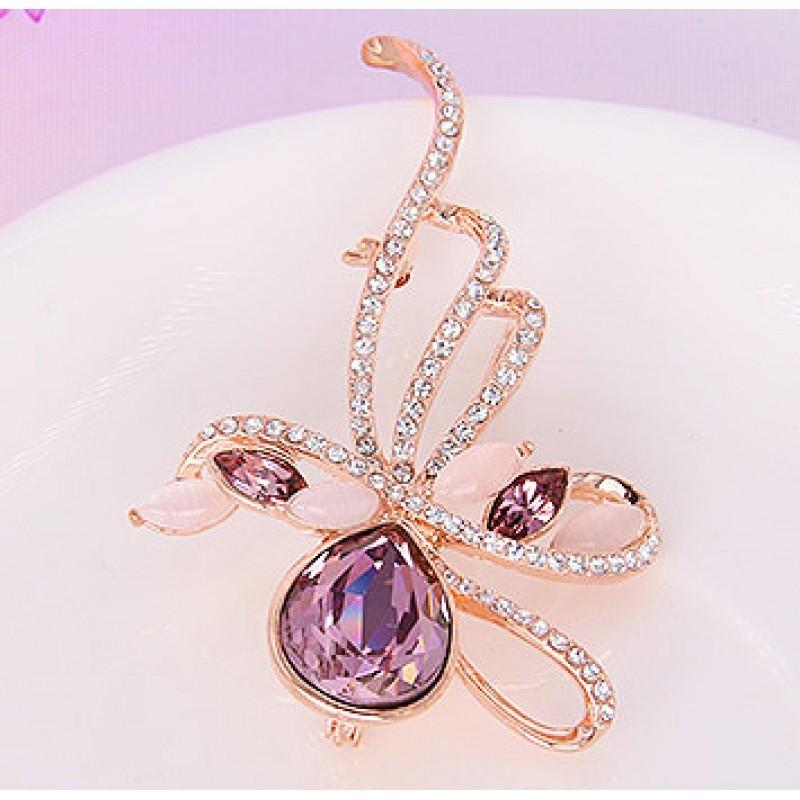 Брошь с фиолетовыми кристаллами Сваровски «Муза»