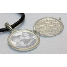 Серебряный открывающийся медальон с фото