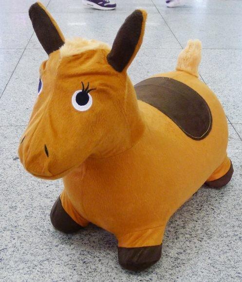 Лошадка-попрыгунчик в тканев чехле