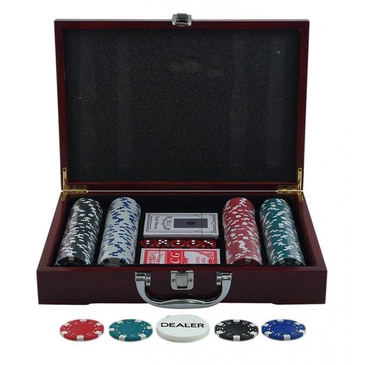 Набор для покера в деревянном кейсе (200 фишек)
