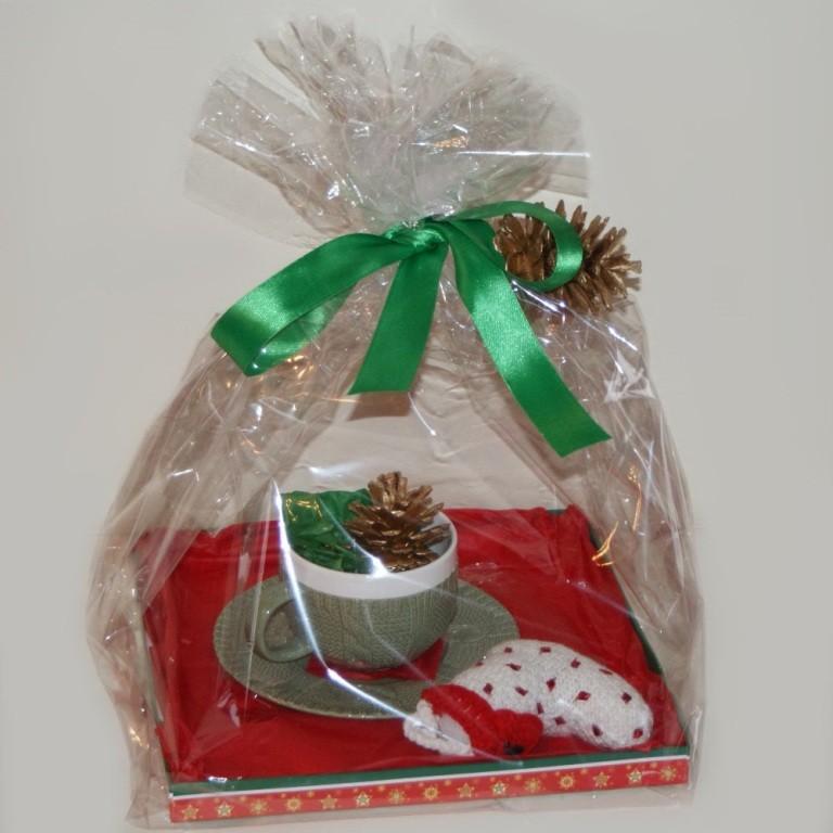 Новогодний подарок Чаепитие и вязанное изделие