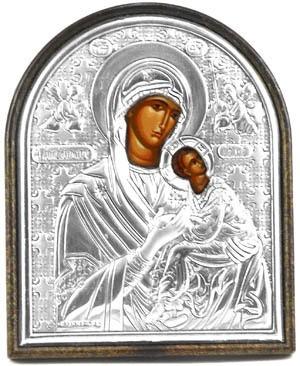Страстная икона Божьей Матери в серебряном окладе