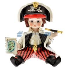 Фарфоровая статуэтка Мальчик Пират с трубой