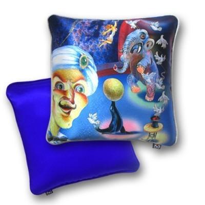 Декоративная подушка «Забавная арена»