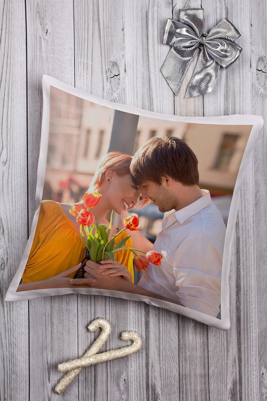 Декоративная подушка с вашим именем Романтика