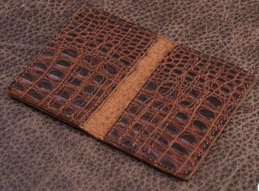 Горизонтальный кардхолдер – книжка. Коллекция Vignette (коричневый, крокодил; тип 1; нат. кожа)