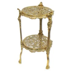 Круглый столик из латуни