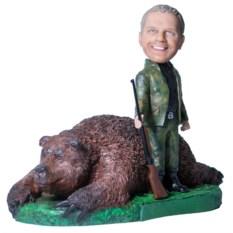 Подарок охотнику «Крутой трофей с медведем»