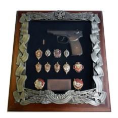 Деревянная ключница со знаками ФСБ Макаров