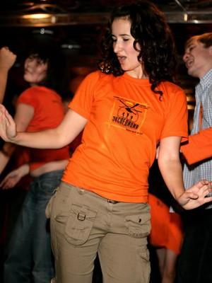 Женская футболка Я женщина сильная, но могу и согласиться!
