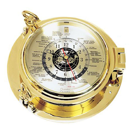 Часы-иллюминатор с мировым временем