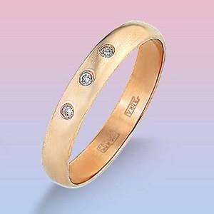Обручальное кольцо из красного золота с 3 фиан.