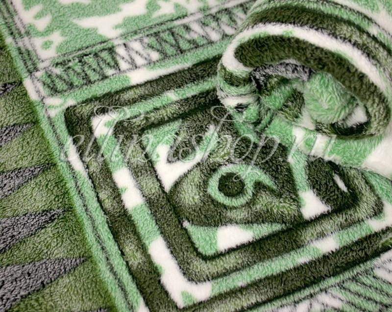Плед Символы майя на зеленом
