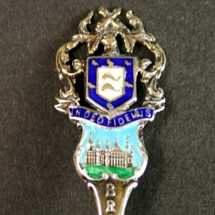 Серебряная английская ложка с эмалью «Брайтон»