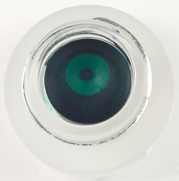 Гелиевая подводка для глаз изумрудного цвета