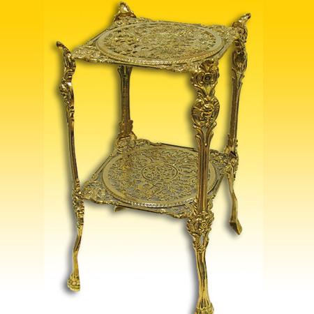 Квадратный столик