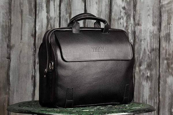 Деловая черная сумка для города Brialdi Seattle