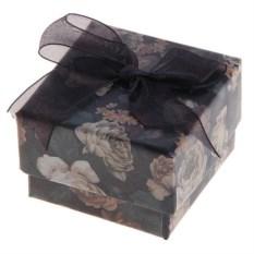 Коробка подарочная под кольцо Черные цветы