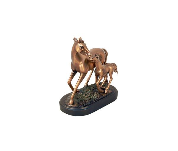 Статуэтка «Лошадь с жеребёнком»