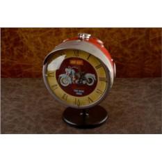 Настольные часы из фары мотоцикла Триумф