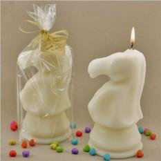 Свеча  Шахматный конь белый