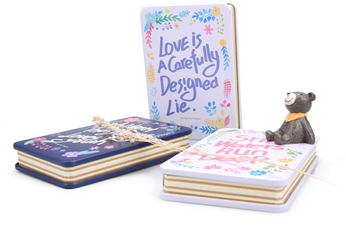 Записная книжка в жестяной обложке Love is