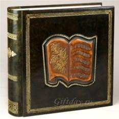 Кожаный фотоальбом с барельефом Нотный лист