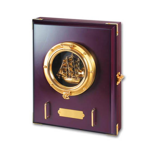 Настенный ящик для ключей