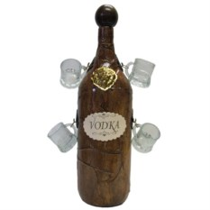 Декоративная бутыль «Водка» с четырьмя рюмками