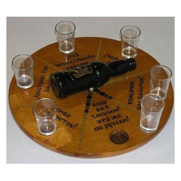 Игра бутылочка сувенирная со стеклянными рюмками.
