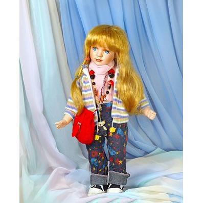 Кукла с сумочкой