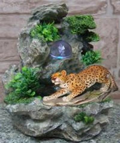 Фонтан Леопард на охоте