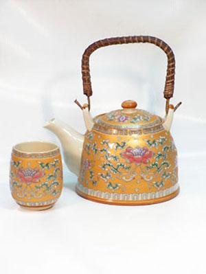Фарфоровый чайный набор «Лотос»