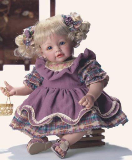 Кукла блондинка
