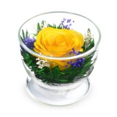 Композиция из желтой розы в подарочной упаковке