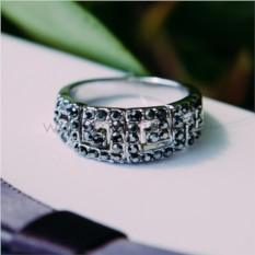 Кольцо с черными кристаллами Греческие мотивы
