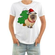 Мужская новогодняя футболка Мопс у ёлочки