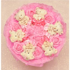 Розовый букет Романтика из розочек и плюшевых мишек
