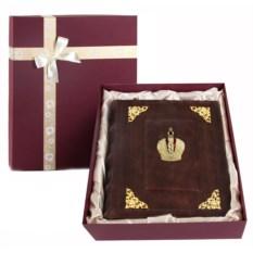 Кожаный фотоальбом с уголками Корона в коробке