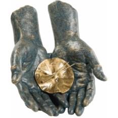 Скульптура-часы «Время в твоих руках»